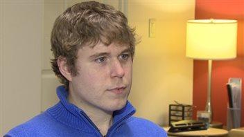 Justin Gotell reçoit des traitements de méthadone qui lui permettent de vivre une vie normale
