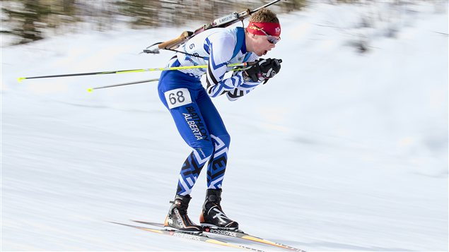 Photo: le biathlonien de Calgary Benjamin Churchill