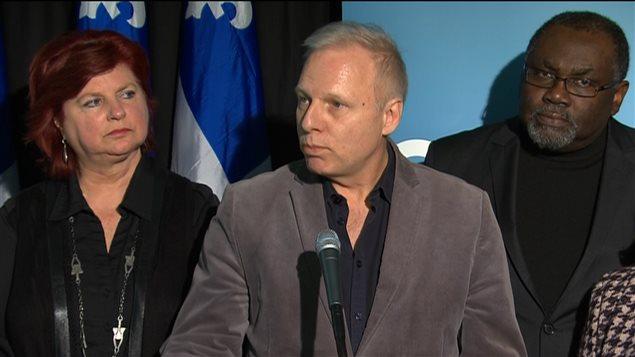Les députés péquistes de Montréal Nicole Léger, Jean-François LIsée et Maka Kotto dénonce le sort réservé à l'Est de Montréal par le gouvernement de Philippe Couillard.