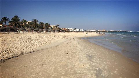 Une plage déserte de Sousse, en Tunisie.