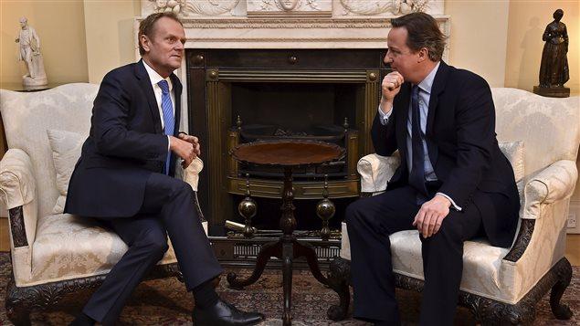 Le premier ministre britannique David Cameron a reçu le président du Conseil européen Donald Tusk à sa résidence officielle dimanche.