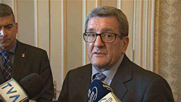 Le maire Labeaume affirme que Stoneham et Lac-Delage n'ont pas les moyens de payer.