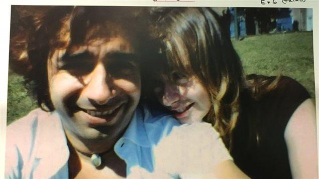 Photo de Lucy DeCoutere et Jian Ghomeshi qui aurait été prise le lendemain de l'agression présumée.