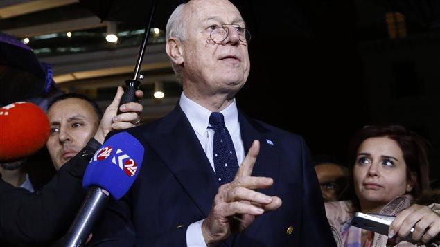 L'émissaire de l'ONU pour la Syrie, Staffan de Mistura, en conférence de presse à Genève.