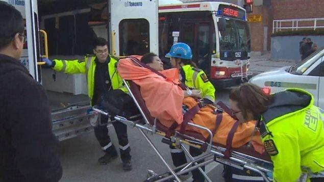 Douze personnes en tout ont été transportées à l'hôpital.