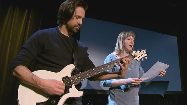 Le duo Mathieu Campagna et Catherine Dorion avec leur spectacle de poésie engagée Fuck toute.