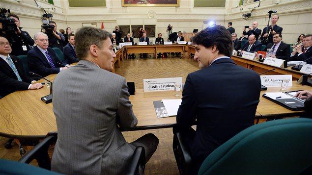 Justin Trudeau a rencontré les maires des grandes villes canadiennes vendredi.