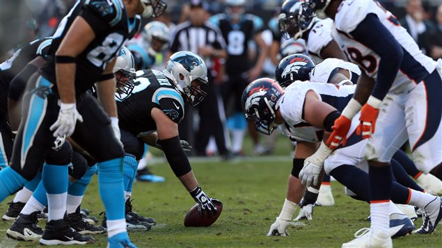 Les Broncos de Denver contre les Panthers de la Caroline
