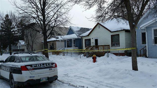 Des agents du Service de police de Winnipeg ont trouvé Mavis Ducharme grièvement blessée dans l'avenue Stella le 6 février 2016