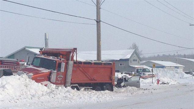 Les occupants des véhicules ont été transportés en ambulance.