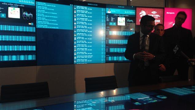 Le centre d'opérations interactif a des allures futuristes.