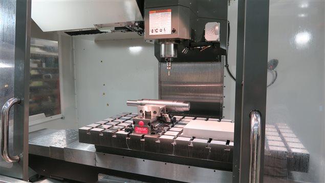 La machinerie numérique permet la fabrication de pièces qui répondent aux besoins de précision des chercheurs du CNRC.