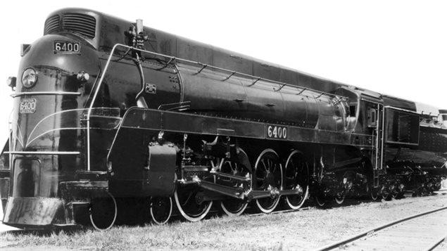 Afin d'éviter que la fumée nuise à la visibilité et pour augmenter l'aérodynamisme, la forme des locomotives a été revue par les chercheurs du CNRC.