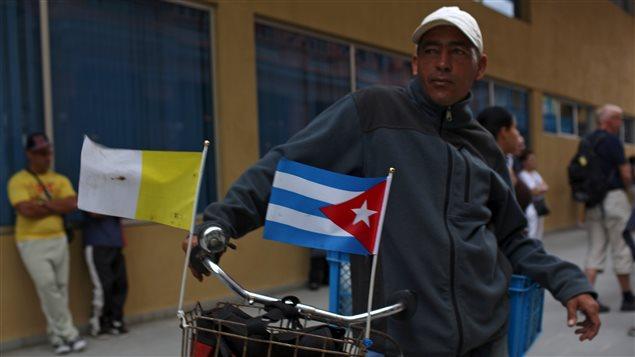 À Cuba, sur un vélo.