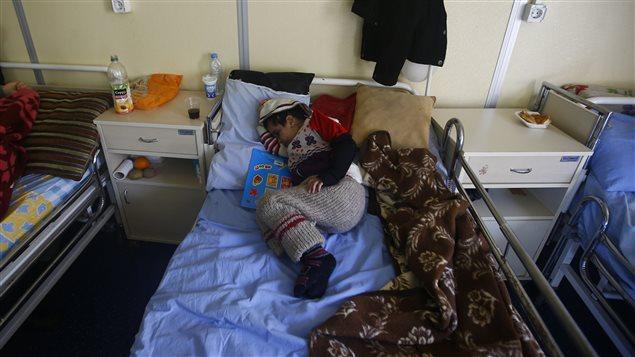 Un enfant syrien est soigné dans un hôpital de Kilis, en Turquie.