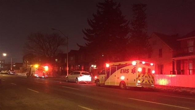Une attaque au couteau a fait un blessé grave mercredi soir sur la 12e Avenue SW, à Calgary.