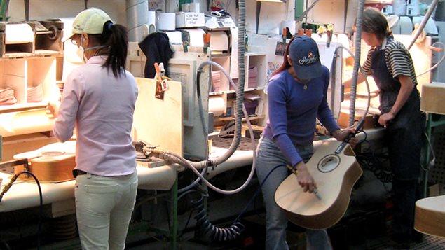 L'usine de guitares Godin à La Patrie