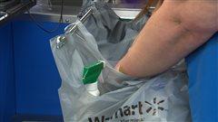 Une ville peut-elle interdire les sacs en plastique?