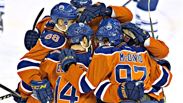 Le trio de Connor McDavid a amassé 13 points