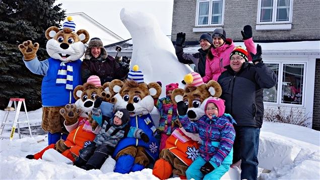 Une famille de Gatineau aura sa propre sculpture, gracieusité de Bal de neige.