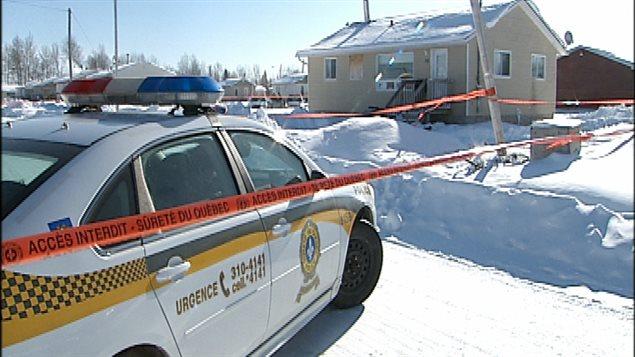 La résidence où un policier et un homme sont morts samedi soir à Lac Simon