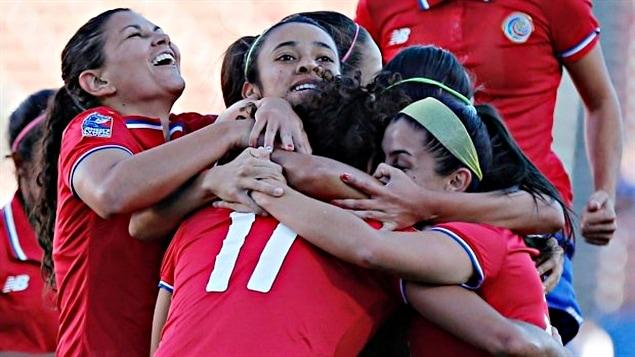 Le Costa Rica a éliminé le Mexique 2-1
