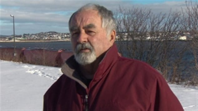 Le conseiller municipal Gerry Lowe