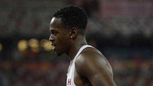 Aaron Brown aux Championnats du monde à Pékin en 2015.