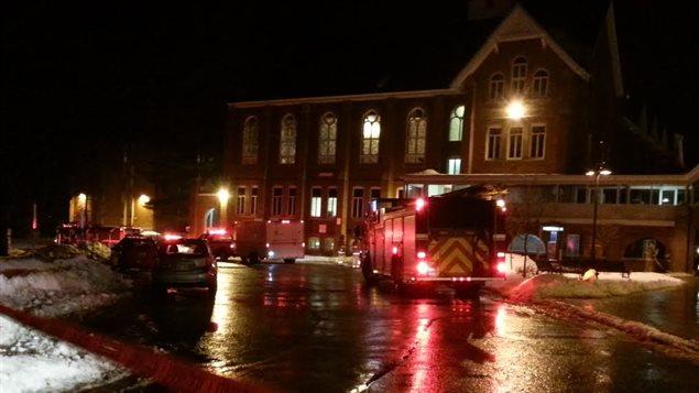 Opération d'urgence à l'Université Bishop's