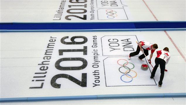 Le tournoi de curling des Jeux de la Jeunesse à Lillehammer en Norvège.