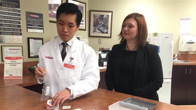 L'Alberta présente sa trousse gratuite pour lutter contre les surdoses de Fentanyl.