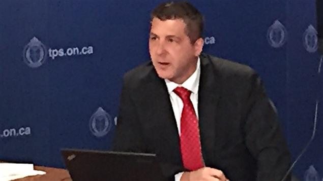 Stacy Gallant, détective à la police de Toronto
