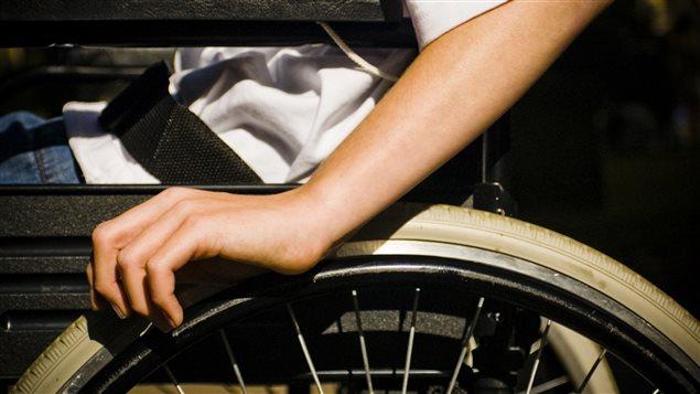 la ressource d 39 aide aux handicap s bout de souffle ici radio. Black Bedroom Furniture Sets. Home Design Ideas