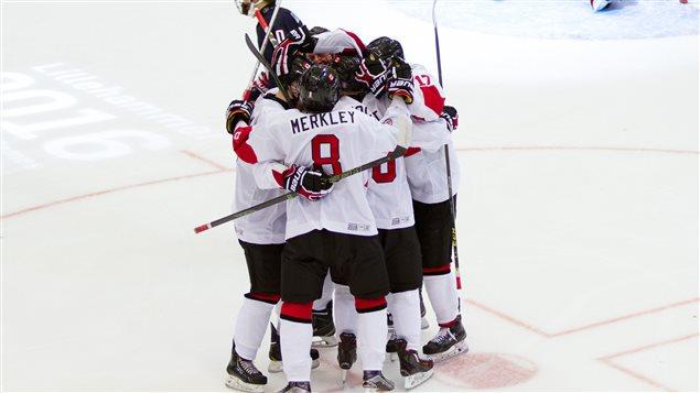 L'équipe masculine canadienne aux Jeux olympiques de la jeunesse