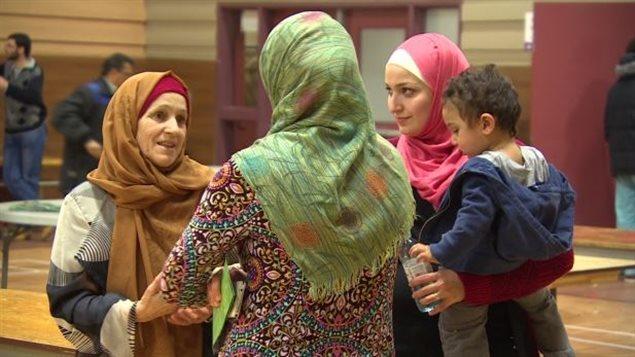 Une fête d'accueil a été organisée pour les réfugiés syriens arrivés récemment.