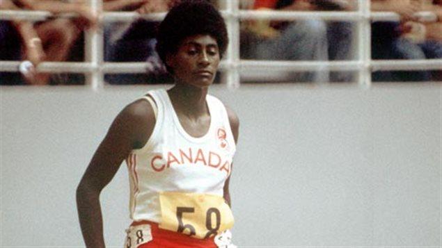 Marjorie Bailey prend une pause aux Jeux olympiques de Montréal en 1976.