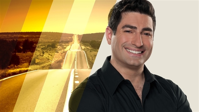 Patrick Masbourian anime l'émission <i>La route des 20</i>.