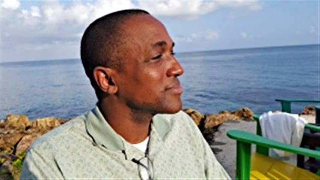 L'avocat canadien d'origine jamaïcaine Maurice Tomlinson constera en Cour suprême les lois contre les personnes gaies.