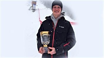 Lewis Irving, récompensé par la FIS