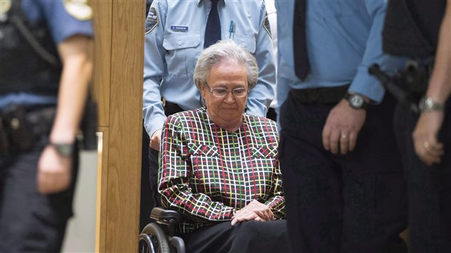 Lise Thibault purgera 18 mois de prison.