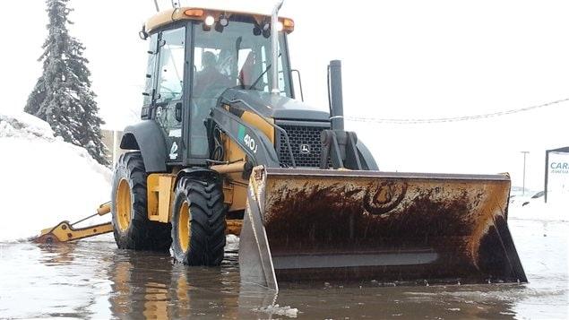 Une centaine de travailleurs de la Ville de Trois-Rivières sont à pied d'oeuvre pour déboucher les puisards