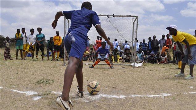 Les dons sont versés au Gatina Youth and Empowerment Program, un organisme de charité au Kenya.