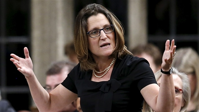 La ministre canadienne du Commerce international, Chrystia Freeland, lors d'une période de questions à la Chambre des communes du Canada.