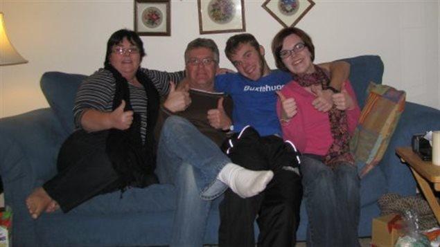 La famille de Kailey Baum.  Hydee, Conrad, Cory et Kailey.