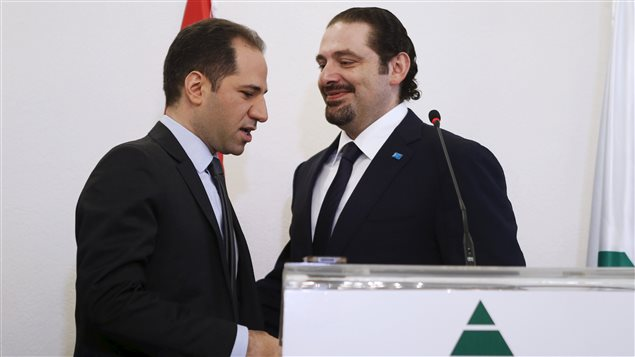 L'ancien premier ministre Saad Hariri et son allié le chef des Phalanges libanaises Sami Gemayel. Les deux hommes s'opposent au Hezbollah.