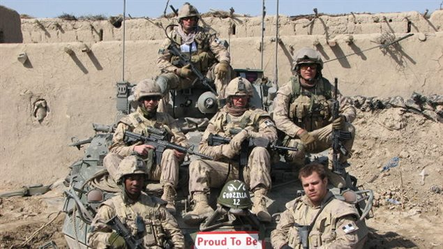 Eric Coupal et sa section en Afghanistan
