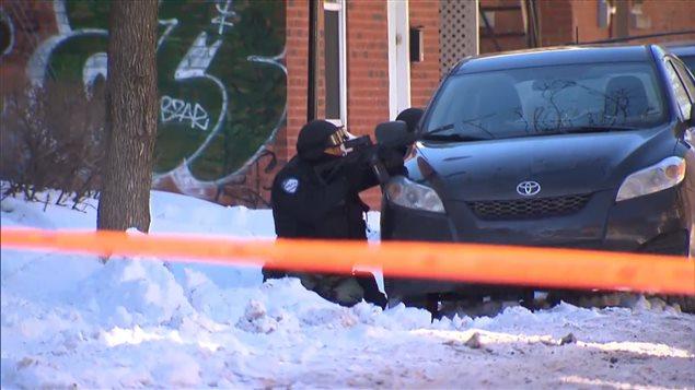 Opération policière dans le Plateau-Mont-Royal à Montréal