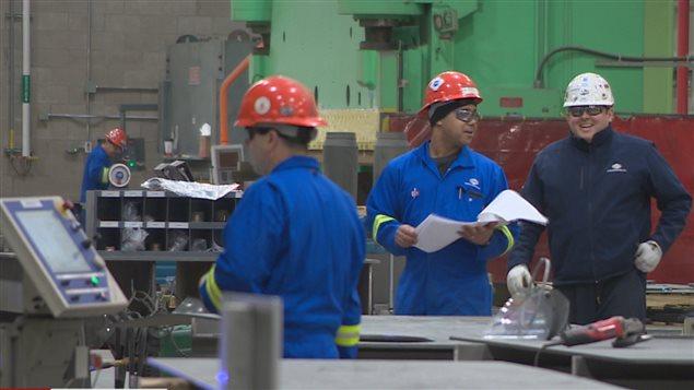 Des employés du chantier naval Irving, à Halifax