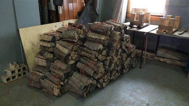 Le bois est prêt à être distribué dans les campings de la région