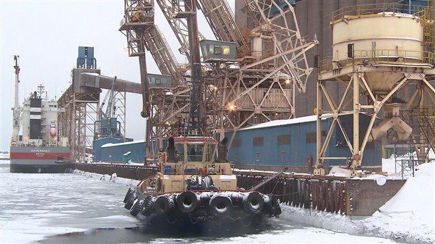 Transbordement au quai d'ArcelorMittal à Port-Cartier